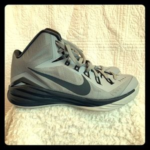 Men's Nike high top shoes size 10